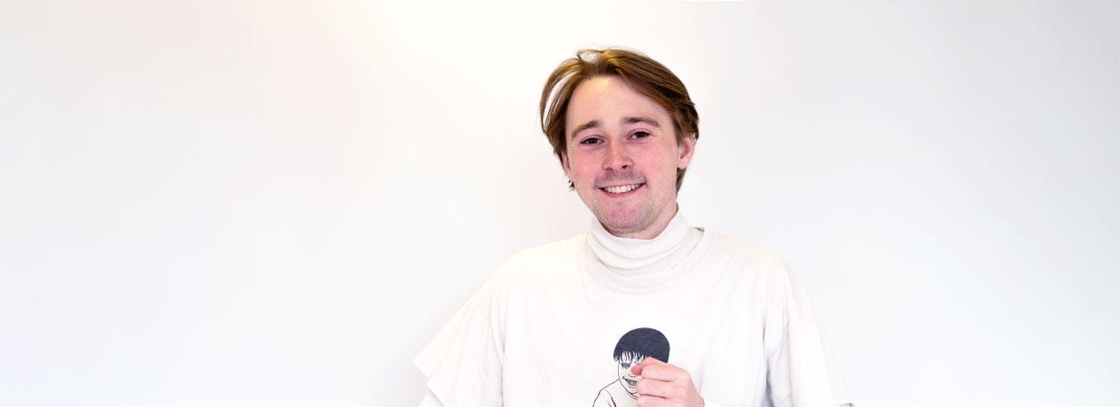 Mads Aldridge Kalb Møller - portræt på hvid baggrund